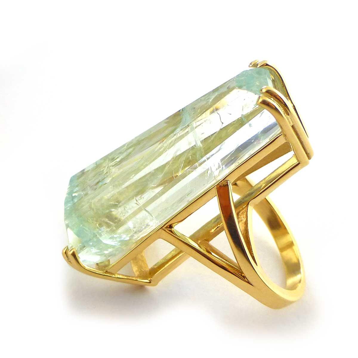 Aquamarine And Diamond Ring Yellow Gold